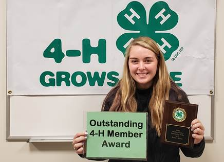 download 6 - Steuben County 4-H Members and Volunteers Receive Awards